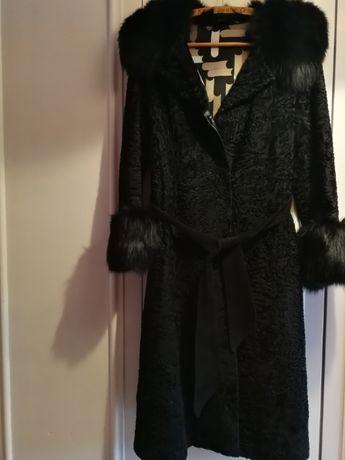 płaszcz z karakuł