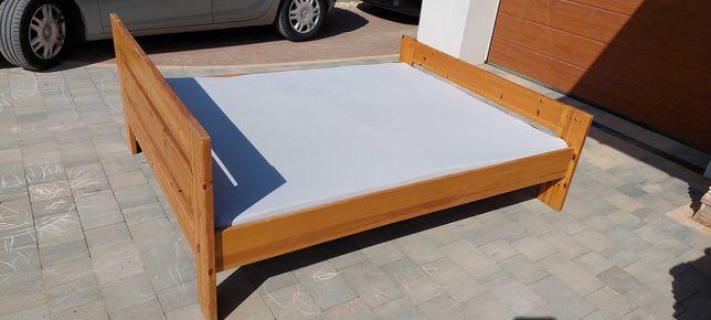 Drewniane łóżko z materacem 200x160