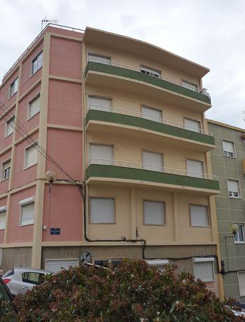 Alugo Apartamento T2 - Vila Franca de Xira (Centro)
