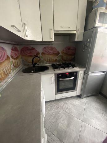 Продам двухкомнатную квартиру на Черёмушках с ремонтом и техникой