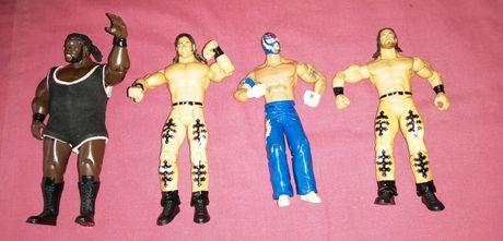 4 bonecos de wrestling Wwe