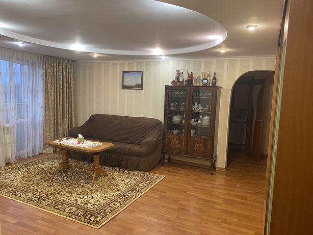 Трехкомнатная, проспект Гагарина, кирпичный дом!