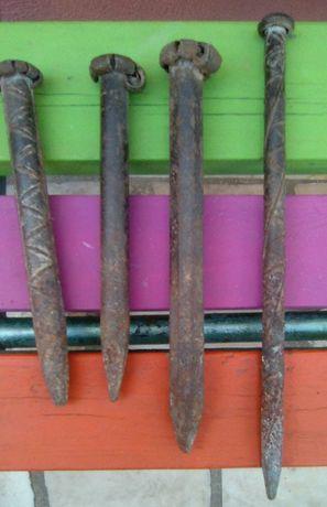 Conjunto de Estacas de ferro