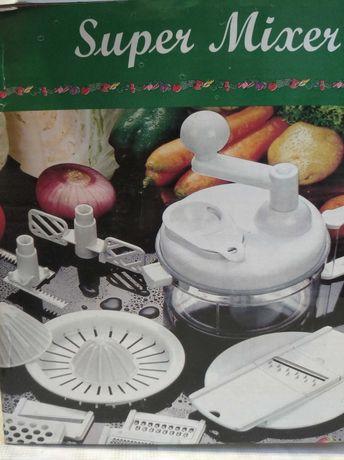Комбайн кухонный (миксер,терки,нарезки)