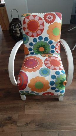 Fotel kolorowe obicie