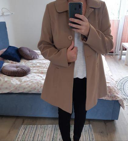 Płaszcz kremowy  38