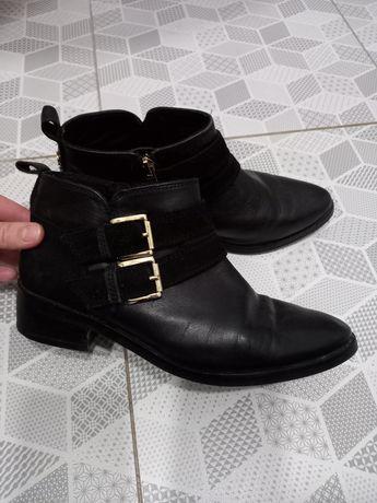 Классические туфли, ботинки