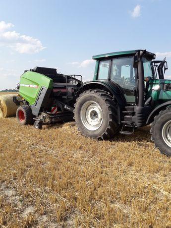 Prasowanie słomy siana prasa Fendt Rotana ( Lely ) usługi rolnicze