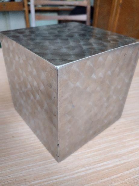 Кубик для коллекции.