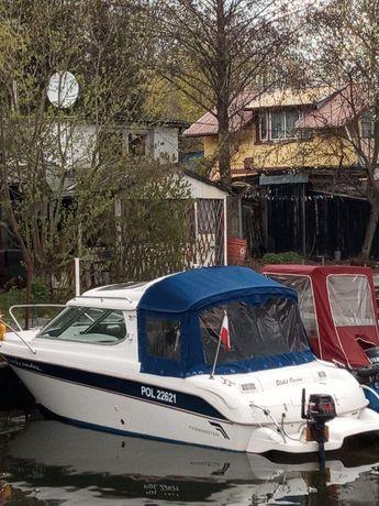 Łódz kabinowo-motorowa Zamiana