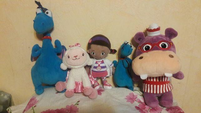 Доктор Плюшева мягкие игрушки кукла Дотти,дракон Стаффи, бегемот Хэлли