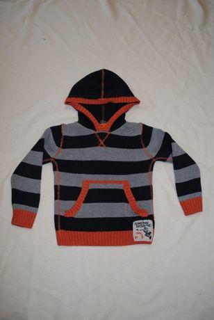 Sweter sweterek z kapturem - 122 cm bluza