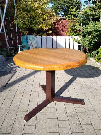 Dębowy stolik z litego drewna