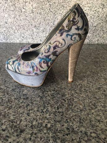 Sapato marca PROF, com pouco uso, tons de azul