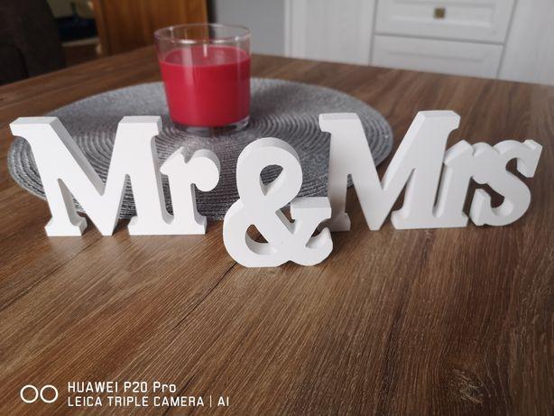 Napis Mr&Mrs ze styroduru