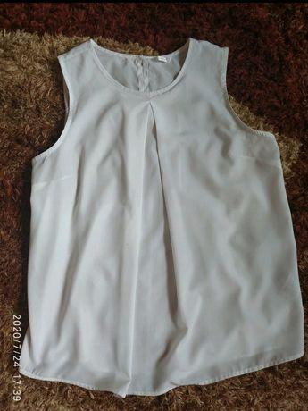 Biała zwiewna bluzeczka
