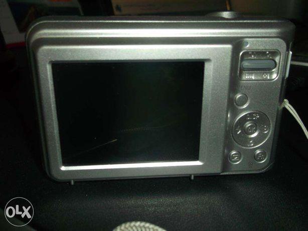 sprzedam aparat cyfrowy SAMSUNG ES 28