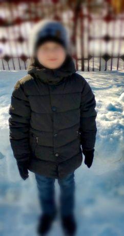 Зимнее пальто на мальчика 6-8 лет.