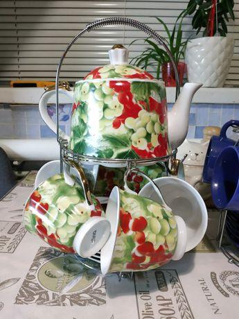 Посуд,чайні набори.