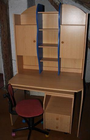 Biurko z nadstawką i krzesłem