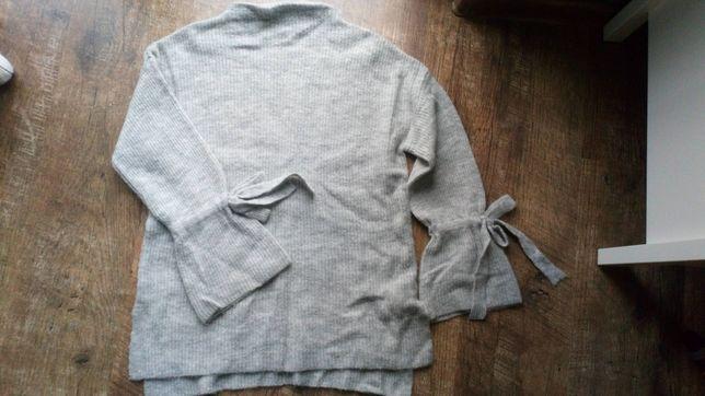Sweter Reserved wiązane rękawy