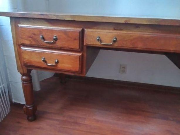 Dębowe biurko styl kolonialny
