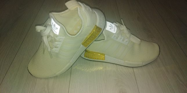 Кроссовки Adidas с оригинального сайта