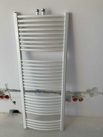 Grzejnik łazienkowy 135x50