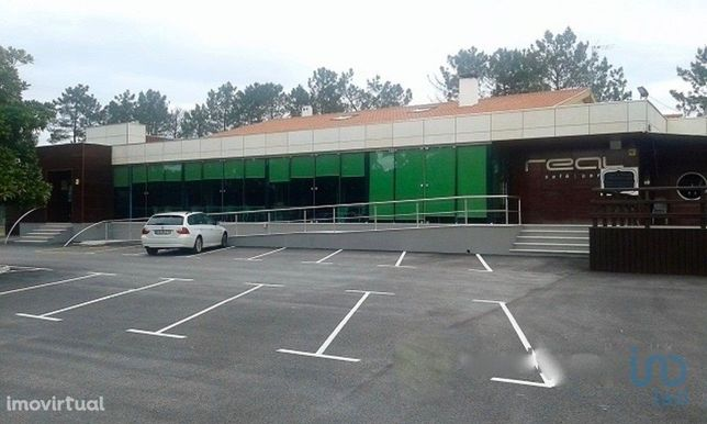 Loja - 448 m²