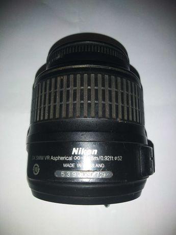 Об'єктиви Nikon на запчастини/на ремонт