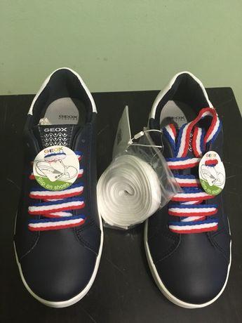 Нові туфлі-кросівки GEOX 33 розміру зі шнурівками