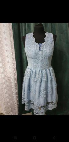 Piękna koronkowa błękitna sukienka EMO 38