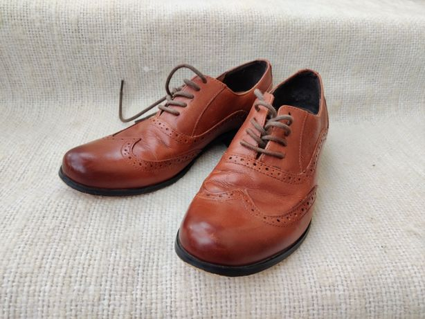 buty skórzane broksy Clarks