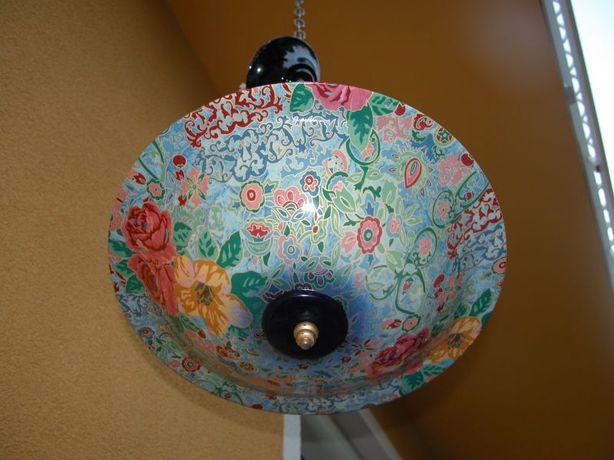 śliczny ceramiczny żyrandol kolrowy