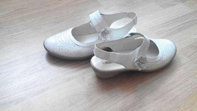 Продам недорого туфли женские 41 размера
