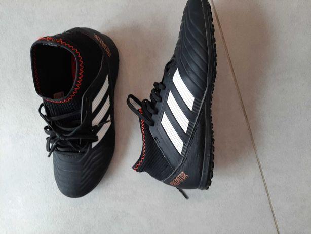 Buty na pilke nożna dla chlopca predator Adidas
