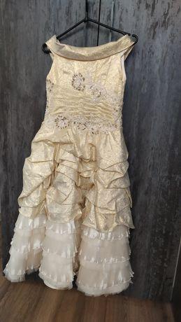 Платье выпускное, нарядное.