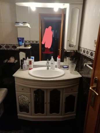 Dois Móveis de WC