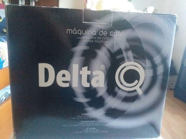 Máquina de café Delta Q