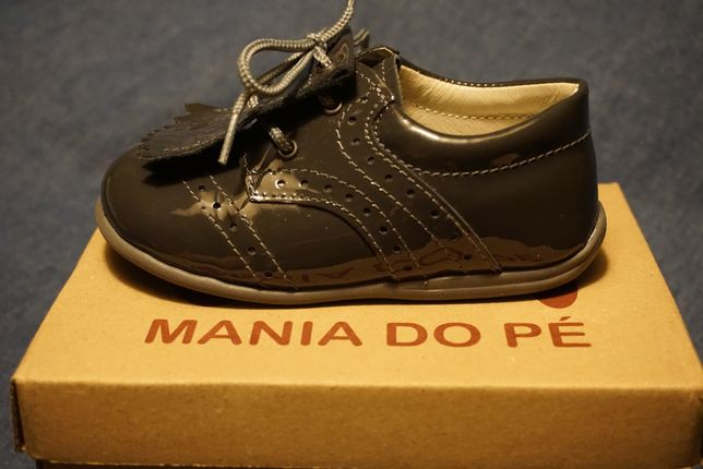 Sapato Bébé 23 cinza