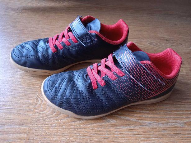 Buty sportowe chłopięce Decathlon rozm. 33