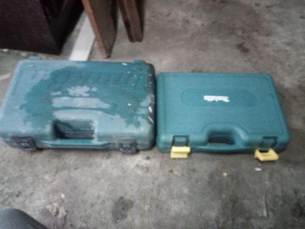 trzy stare walizki na narzędzia makita