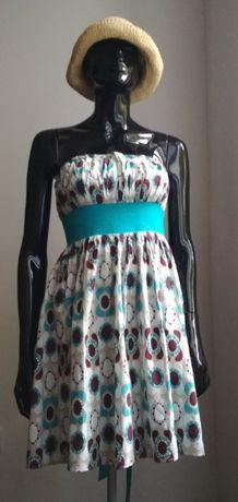 Letnia sukienka z turkusowym paskiem