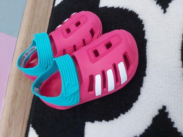 Oryginalne obuwie dziecięce