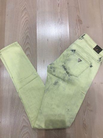 Spodnie jegginsy GUESS rozm. 26