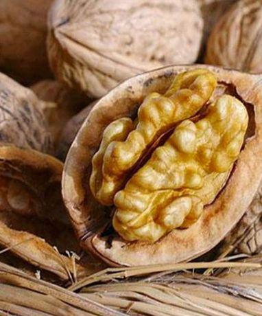 Продам горіхи( цілі також чищені)