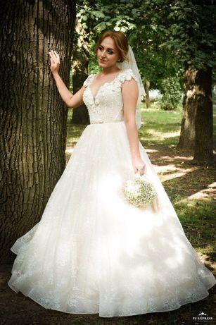 Хочешь красивое свадебное платье тебе сюда)