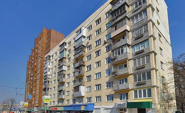 Голосеевский пр-т 17, продам 3х ком квартиру!