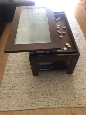 Mesa de centro com tampo vidro