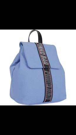 Pinko błękitny plecak Logo
